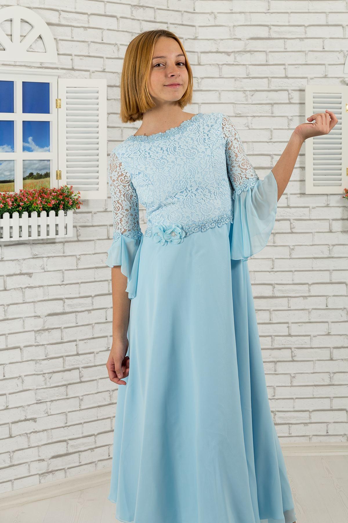 레이스 바디와 소매가있는 여아 이브닝 드레스, 허리에 플라워 디테일 463 베이비 블루