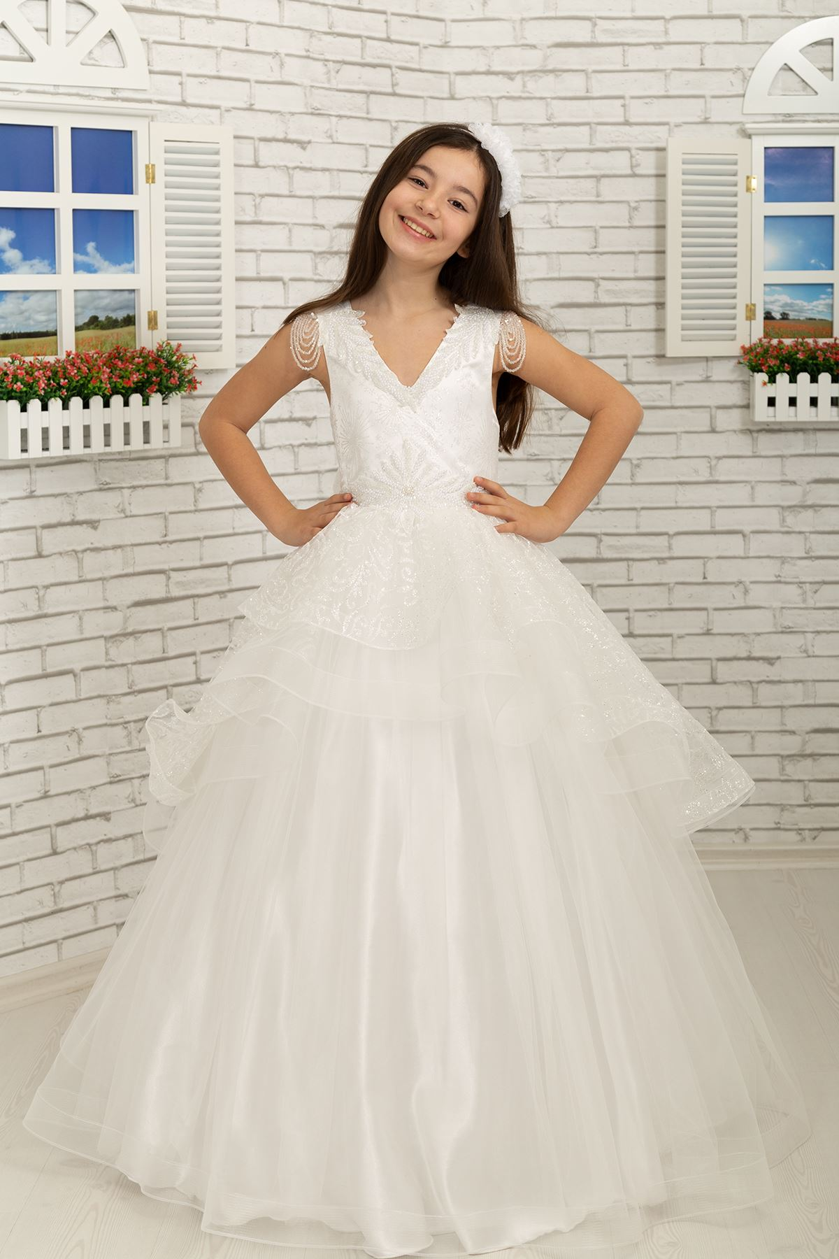 Fluffy Girl's Evening Dress 627 Cream, with dangling beads, embroidered on the shoulder, skirt detail