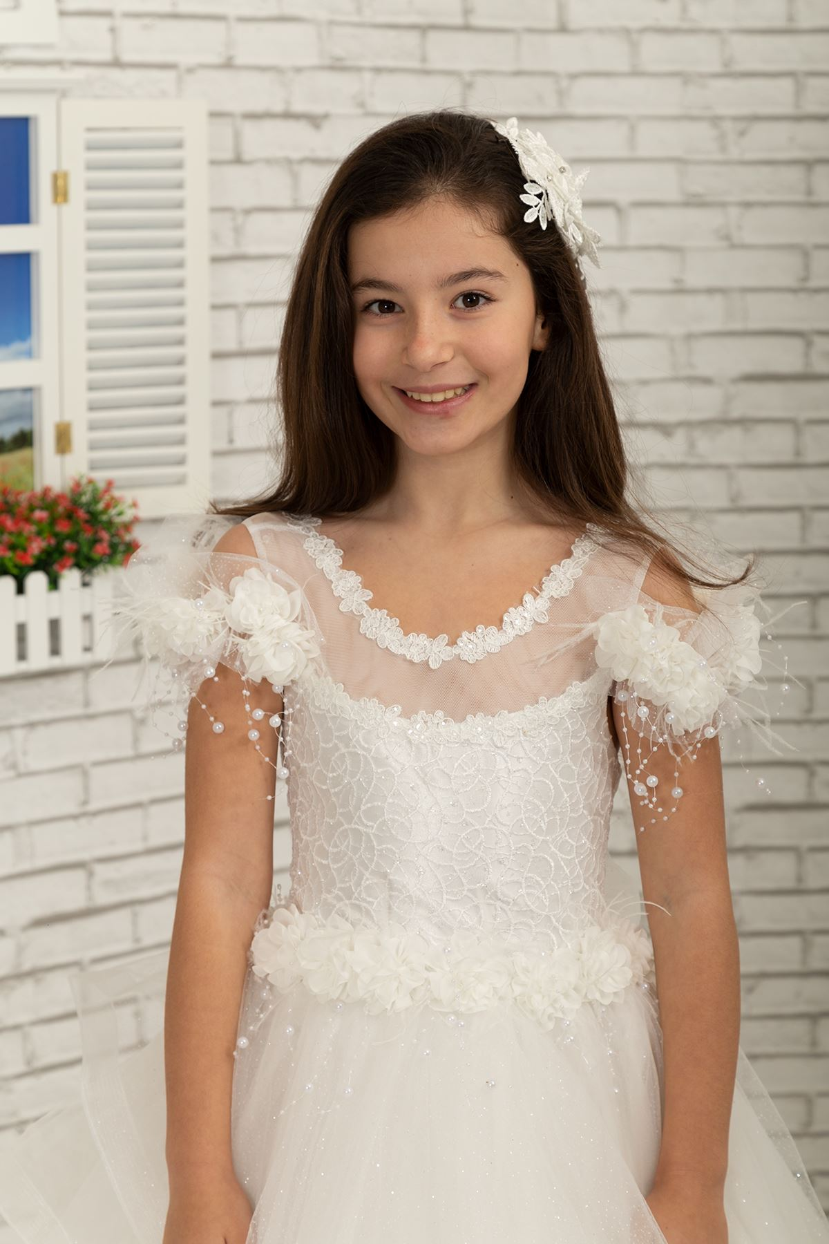 Special silvery tulle with shoulder feather detail, Fluffy Girl's Evening Dress 633 Cream